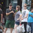 Tom Hanks, son fils Chet Hanks et sa fille Elizabeth Hanks à Soho, New York le 27 juillet 2012.