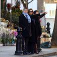 Valérie Trierweiler fait du shopping avec son fils Léonard et son agent littéraire Anna Jarota à Londres. Le 24 novembre 2014