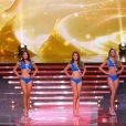 Les 12 Miss qualifiées en bikini, lors de la cérémonie de Miss France 2015 sur TF1, le samedi 6 décembre 2014.