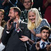 Princesse Mette-Marit : Sublime pour honorer Malala et la Paix devant une Queen