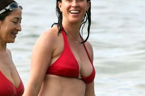 Alanis Morissette : Détendue en maillot de bain, la star s'amuse entre copines