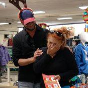 John Stamos : Déguisé en renne à Noël, il fait pleurer la cliente d'un magasin...