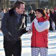 Sarah Abitbol et Stéphane Rotenberg animent une séance de Ice Fitness sur la patinoire de Noël des Champs-Elysées à Paris, le 29 décembre 2014.29/12/2014 - Paris