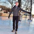 Stéphane Rotenberg anime une séance de Ice Fitness avec Sarah Abitbol sur la patinoire de Noël des Champs-Elysées à Paris, le 29 décembre 2014.29/12/2014 - Paris