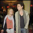 Le chanteur Raphaël et Mélanie Thierry lors du spectacle As you Like It à Paris le 14 avril 2010