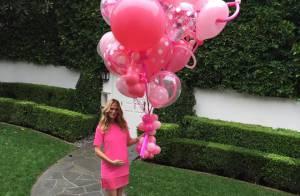 Molly Sims, enceinte : Tout de rose vêtue pour dévoiler le sexe de son bébé