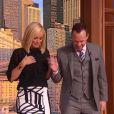 Jenny McCarthy et son mari Donnie Wahlberg sur le plateau de l'émission de Wendy Williams pour la promotion de leur émission de télé-réalité Donnie Loves Jenny. Ils se sont mariés le 31 août 2014.