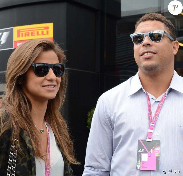Ronaldo et sa fiancée Paula Morais dans le paddock du Grand Prix d'Italie à Monza, le 8 septembre 2013