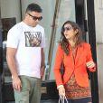 Ronaldo et Paula Maorais à la sortie de la boutique de Christian Louboutin à Mayfair, Londres, le 7 mai 2013