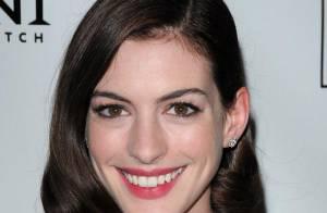 REPORTAGE PHOTOS : Anne Hathaway, une vraie gravure de mode !
