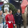 La princesse Stéphanie de Monaco lors de sa rencontre traditionnelle avec la presse, le 13 janvier 2015, avant l'ouverture du Festival International du Cirque de Monte-Carlo, entourée d'artistes et de son animal préféré, l'éléphant.