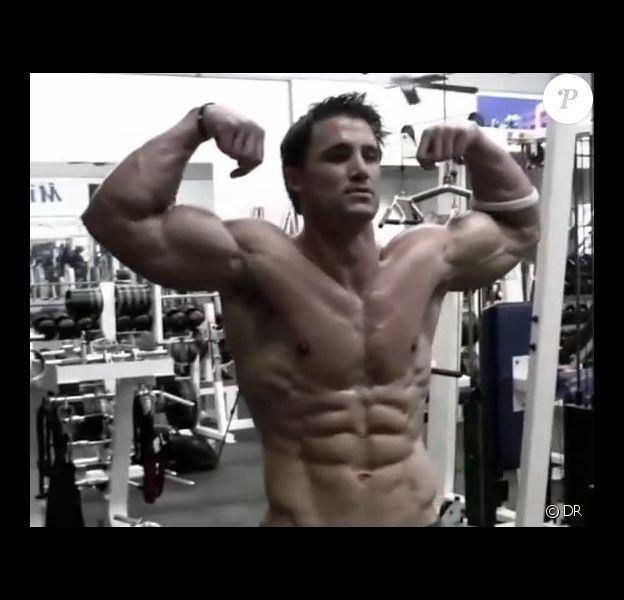 Greg Plitt, célèbre bodybuilder, est mort. Le suicide est l'une des thèses explorées selon les premiers éléments de l'enquête.
