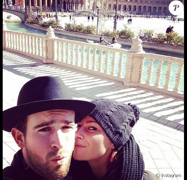 Fauve Hautot et son petit ami Jules heureux et amoureux à Séville pour la nouvelle année