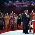 Le Prince Albert II de Monaco et sa soeur la princesse Stéphanie remettent l'un des Clowns d'Or aux clowns Fumagalli et Daris  lors de la soirée de gala du 39e Festival du cirque de Monte-Carlo, le 20 janvier 2015 sous le chapiteau de Fontvieille.
