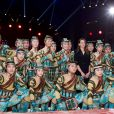 Pauline Ducruet remet l'un des Clowns d'Argent à la troupe acrobatique de Tianjin  lors de la soirée de gala du 39e Festival du cirque de Monte-Carlo, le 20 janvier 2015 sous le chapiteau de Fontvieille.