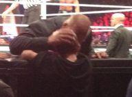 Triple H, catcheur au grand coeur : En plein combat, il console un fan en pleurs