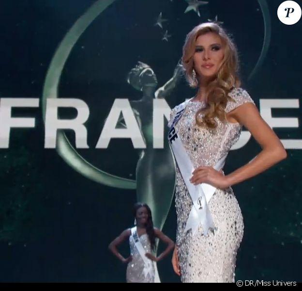 Camille Cerf, Miss France 2015, défile, somptueuse, pour l'élection Miss Univers 2015, le mercredi 21 janvier 2015 à Miami