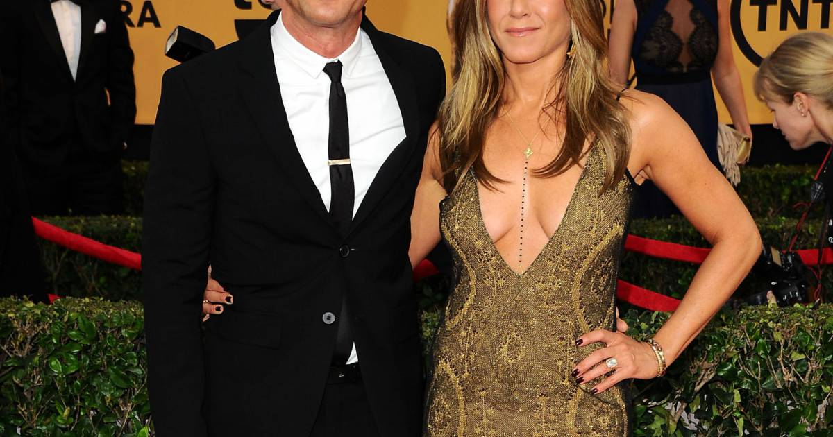 Jennifer aniston sir ne tr s tr s d collet e et - Sirene amoureuse ...