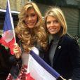 Camille Cerf, prete pour Miss Univers, prend la pose près de Sylvie Tellier, ce 6 janvier 2015