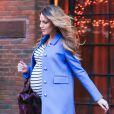 Blake Lively, enceinte, sort de son hôtel à New York, le 4 décembre 2014