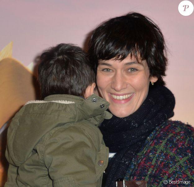 Clotilde Hesme (en famille) - Avant-première du film Gus, petit oiseau, grand voyage à l'UGC Normandie à Paris Le 1er février 2015