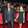 """Lenny Kravitz et sa fille Zoë Kravitz à la première du film """"The Hunger Games - L'embrasement"""" au Nokia Theatre à Los Angeles le 18 novembre 2013."""