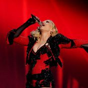 Madonna : Cul nu et incorrigible, son come-back aux Grammy Awards 2015