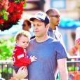 Exclusif - Vince Vaughn s'amuse avec son fils Vernon à Disneyland à Anaheim, le 19 décembre 2014.