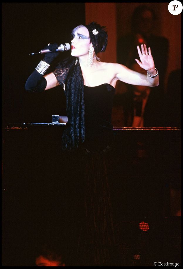 JEANNE MAS AUX VICTOIRES DE LA MUSIQUE 1985 , MEILLEURE REVELATION ET MEILLEURE INTERPRETATION FEMININE ©BESTIMAGE