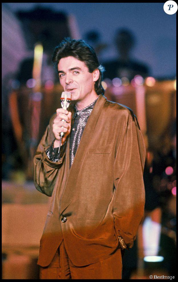 Daniel Lavoie sur scène lors des Victoires de la Musique 1985
