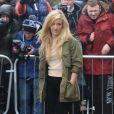 Ellie Goulding arrive au musée Tate Britain pour assister au défilé Topshop Unique automne-hiver 2015-2016. Londres, le 22 février 2015.