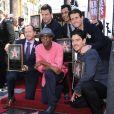 Le groupe New Kids on the Block, composé de Donnie Wahlberg, Jordan Knight, Jonathan Knight, Joey McIntyre, et Danny Wood, reçoit son étoile sur le Walk Of Fame en compagnie d'Arsenio Hall à Hollywood, le 9 octobre 2014