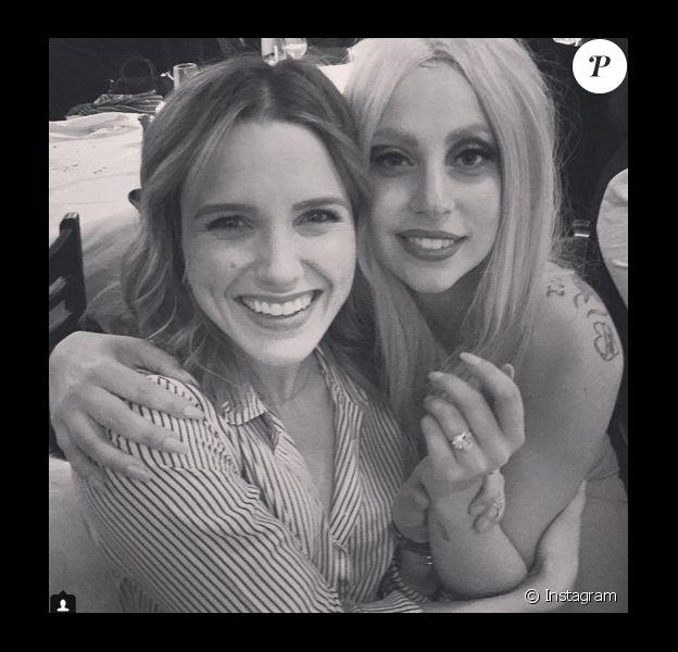 Sophia Bush a ajouté une photo d'elle en compagnie de Lady Gaga sur son compte Instagram le 26 février 2015