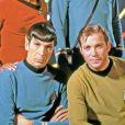 Nichelle Nichols, DeForest Kelley, Leonard Nimoy et William Shatner il y a 45 ans dans Star Trek.