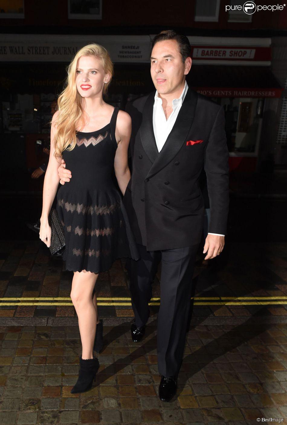 """David Walliams et Lara Stone - Soirée d'anniversaire de Mario Testino sur le thème de """"Gatsby le Magnifique"""" à Londres le 29 octobre 2014."""