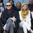 Paul Bettany, AnnaLynne McCord à la marche pour l'égalité des genres et les droits des femmes à New York, le 8 mars 2015