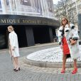 Elena Perminova et Anna Dello Russo arrivent au ConseilÉconomique et Social pour assister au défilé Miu Miu automne-hiver 2015-2016. Paris, le 11 mars 2015.