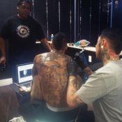 Nick Cannon : Exit Mariah Carey, il fait recouvrir le tatouage dédié à son ex !