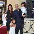 Vin Diesel, Paloma Jimenez, et leurs enfants Hania Riley et Vincent sur le Hollywood Walk of Fame, Los Angeles, le 26 août 2013.