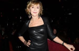 Marie-Anne Chazel, robe en cuir moulante et grand sourire : Une Bronzée au top !