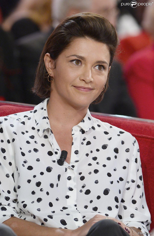 """Emma de Caunes - Enregistrement de l'émission """"Vivement Dimanche"""" à Paris le 18 mars 2015. L'émission sera diffusée le 22 mars."""