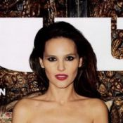 Virginie Ledoyen seins nus : L'actrice, féline, est brûlante pour ''Lui''