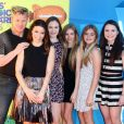 "Gordon Ramsay, son épouse Tana et leurs enfants Megan, Jack, Holly et Matilda à la soirée ""Nickelodeon's 28th Annual Kids' Choice Awards"" à Inglewood, le 28 mars 2015"