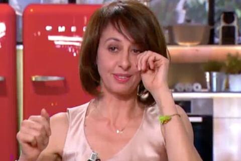 Valérie Bonneton craque dans C à vous : Des larmes qu'elle ne peut retenir