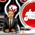 Yann Barthès présente  Le Petit Journal , tous les soirs à 20h25 sur Canal+.