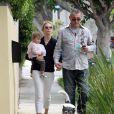Kelly Rutherford avec sa fille et son nouveau compagnon, le 18 mai 2010 en Californie