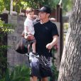 Nick Lachey et sa femme Vanessa Minnillo enceinte emmènent leur fils Camden à son cours de natation à Sherman Oaks, le 8 août 2014. Please Hide Children's face Prior to the Publication Nick Lachey and his pregnant wife Vanessa Minnillo take their son Camden to a swimming class in Sherman Oaks, California on August 8, 2014.08/08/2014 - Sherman Oaks