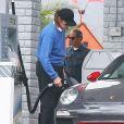 EXCLUSIF - Bruce Jenner dans une station essence de Malibu, le 27 février 2015