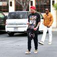 Kylie Jenner et Tyga quittent la pharmacie Rite Aid au complexe commercial The Commons à Calabasas. Le 23 avril 2015.