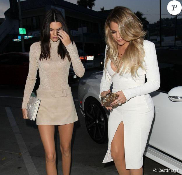 Kendall Jenner et Khloé Kardashian arrivent au restaurant Craig's à West Hollywood, le 23 avril 2015.